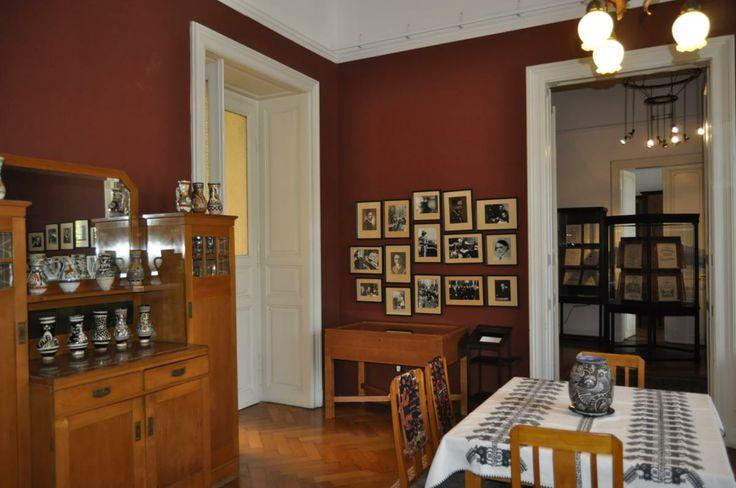 Kodálys Speisezimmer. Im Budapester Kodály Museum.