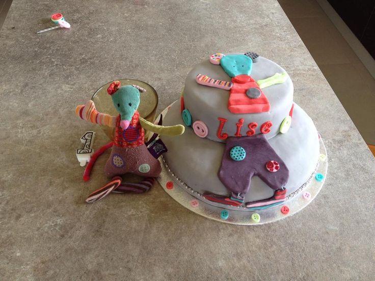 Un beau gâteau réalisé pour les ans d'une petite fille fan de sa souris Jolis pas Beaux !