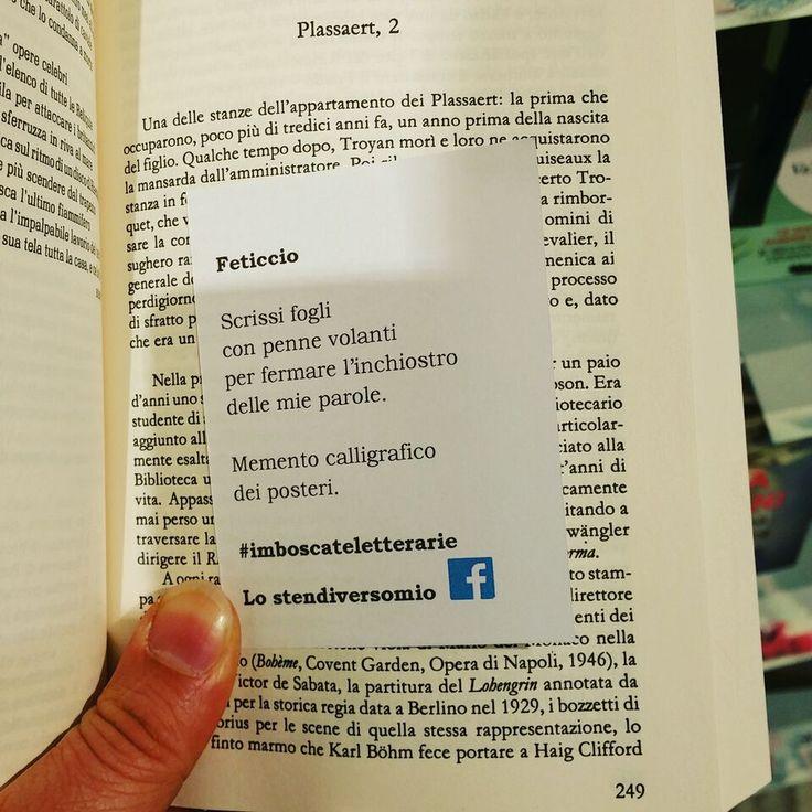 """Con le #imboscateletterarie alla Feltrinelli della stazione di Firenze l'esordio errante medìceo fu.  Qui nella foto tra le pagine di """"La vita istruzioni per l'uso"""" di George Perec."""