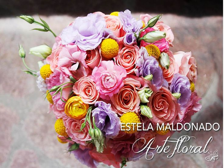 Bouquet colores pasteles #vintage #bodas #bodasmexico #sanmigueldeallende #guanajuato #wedding #centerpiece #floral