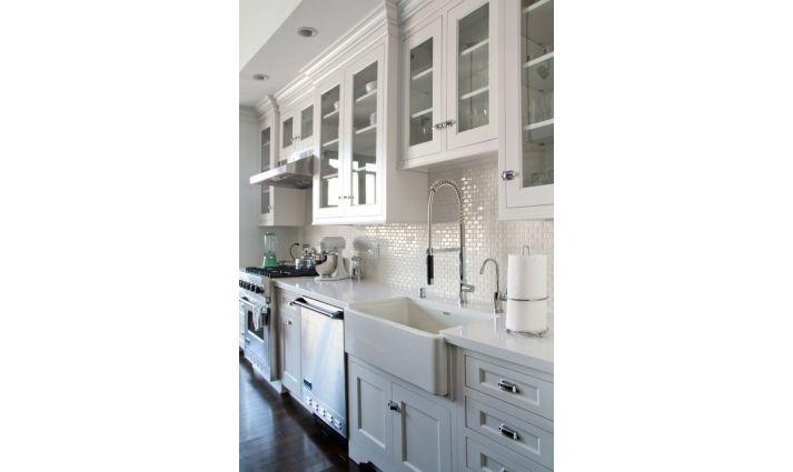 mini subtiles mini cegielka biala mozaika ceramiczna jako doskonale wykonczenie plytkami nie tylko kuchni ale i lazienek