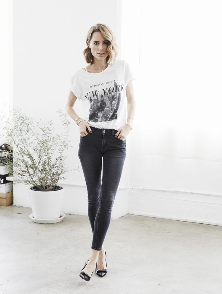 Black and White Graphic T, Black Skinny Jeans, Shiny Black Shoes add a POP! +Gold Jewelry and Cherry Red Nails.