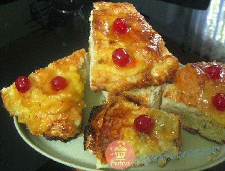 Una rosca bien lograda que bien puede ser preparada para el día de Reyes ya que lleva crema pastelera y su masa resulta liviana muy sabrosa.