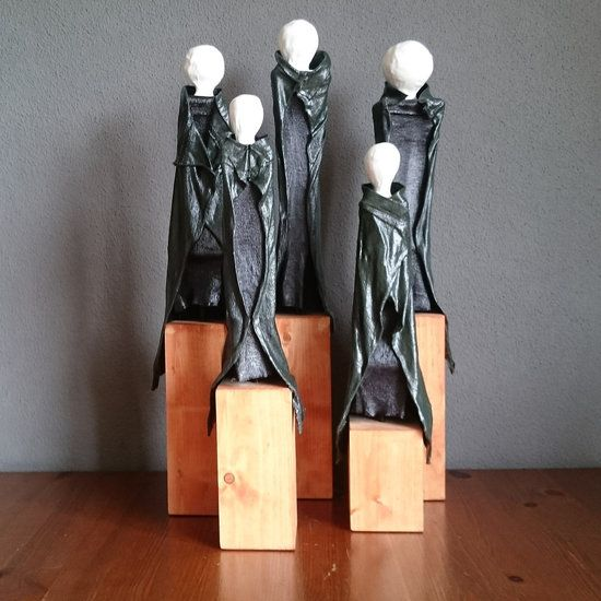 Family, group of 5 Sculptures - md4arts