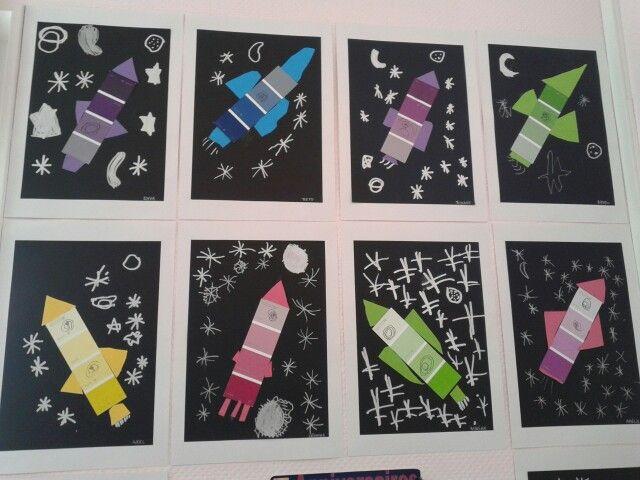 fusée avec carte de peinture, carton et crayon blanc