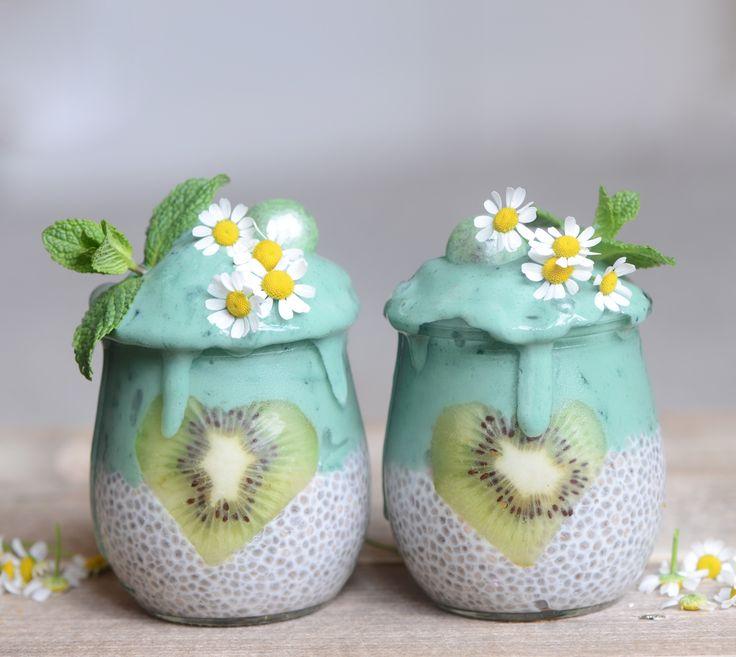spirulina smoothie & chia pudding– Alpha Foodie