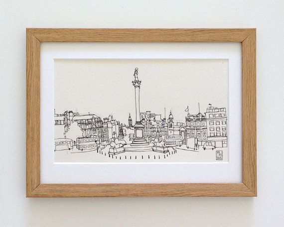 Trafalgar Square and Nelson's Column London - original London landmark urban…
