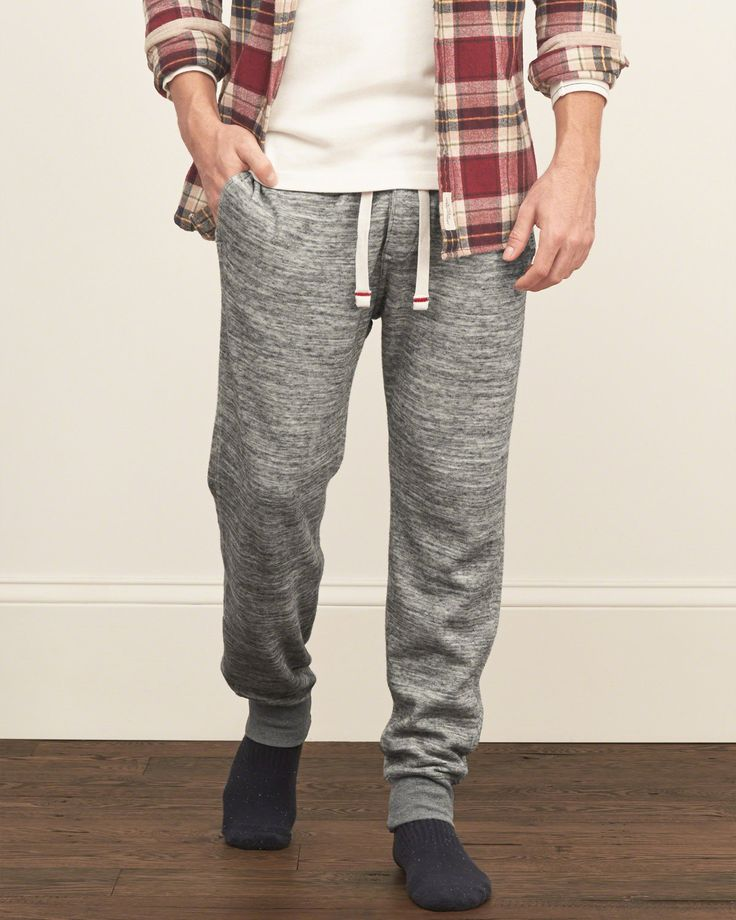 The weekend joggers feature all-over pattern, a drawstring waist, a logo tab at left leg, contrast banded cuffs and a back pocket, Classic Fit, Imported<br><br>100% Cotton