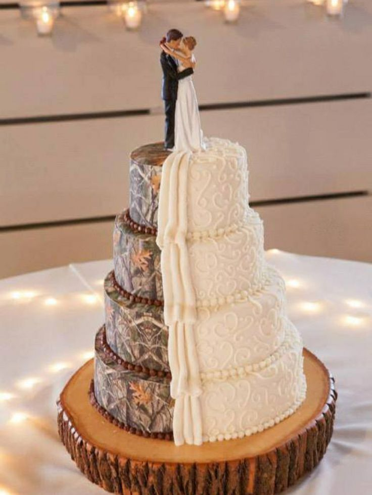 I\'m in love! Unbelievably gorgeous cake for a rustic, woodland, or ...