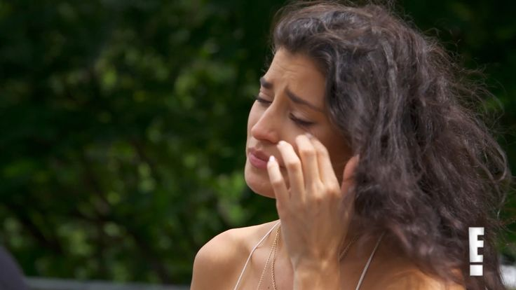 http://www.eonline.com/shows/wags/news/797035/nicole-williams-defends-her-behavior-in-thailand-after-larry-english-says-she-killed-his-vibe-in-wags-season-finale-clip
