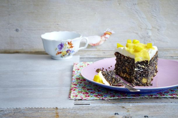 Unser beliebtes Rezept für Mohnkuchen mit Mango-Vanille-Creme und mehr als 55.000 weitere kostenlose Rezepte auf LECKER.de.