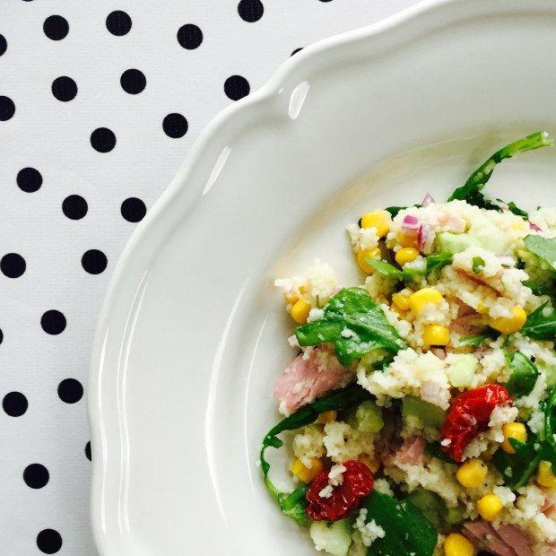 couscous met rucola, zongedroogde tomaatjes en ham