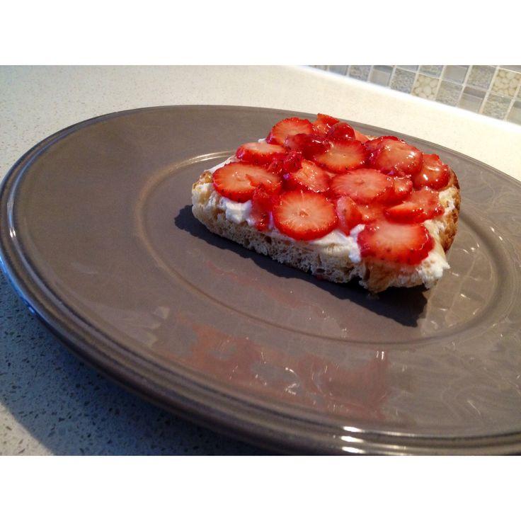 Ricotta cheese, strawberries and honey in Turkish bread