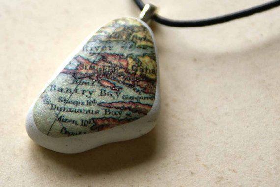 Playa colgante de cerámica con Vintage mapa por CelticSeaTreasures