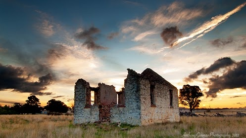 This magical photo by Anthony Ginman was taken in Yarra near Goulburn NSW.   The perfect lighting and compostion makes us want to know even more what the story is behind this ruin.