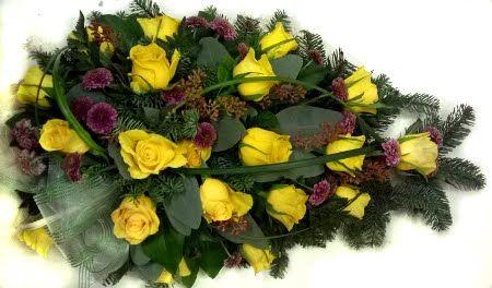 hautavihko: keltaiset ruusut