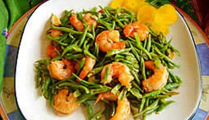 Surinaams eten – Kousenband Garnalen Cc: @Aley Dinesh  green bean & shrimp