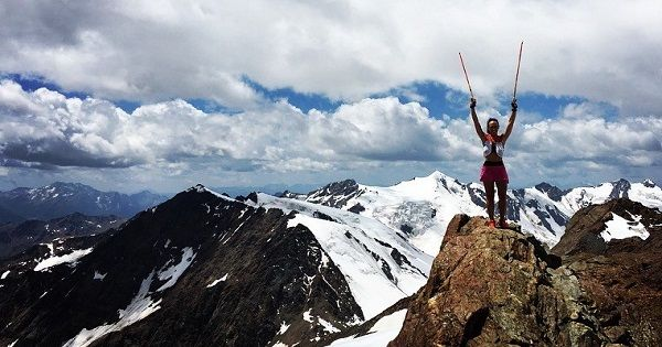 Escursione estiva sul Monte Vioz (3644 metri)  Si tratta di una magnifica escursione in alta quota, nel Gruppo del Cevedale. La salita al Monte Vioz, nel cuore del Parco Naturale dello Stelvio, non presenta difficoltà; solo l'altitudine può provocare qualche disturbo, ma è soggettivo. Non servono ramponi, corda e piccozza e anche il dislivello da percorrere non è eccessivo (circa 1260 metri) anche se è raccomandabile un minimo di allenamento.