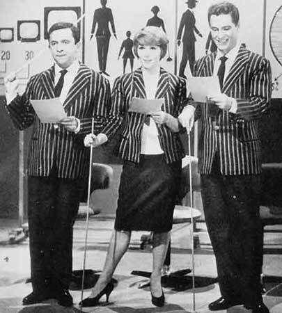 """Nino Manfredi insieme a Delia Scala e Paolo Panelli nelle storiche edizioni del 1959 e del 1960 di """"Canzonissima"""". Un trio ben assortito ed un grande successo di pubblico."""
