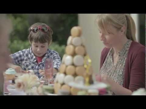 Episode 3. Lorraine Elliot in pursuit of the perfect High Tea - High Tea Time