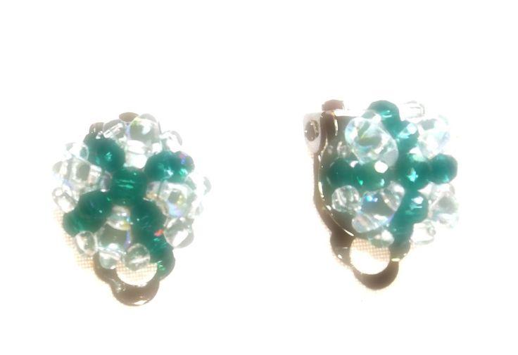 Green Swarovski, clips earrings di ArtigianatoLiliana su Etsy #CraftHour