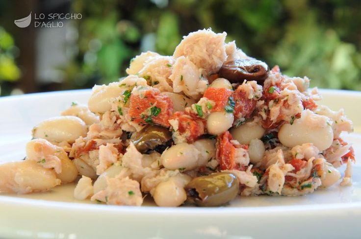 cannellini beans, olives, tuna and tomatoes