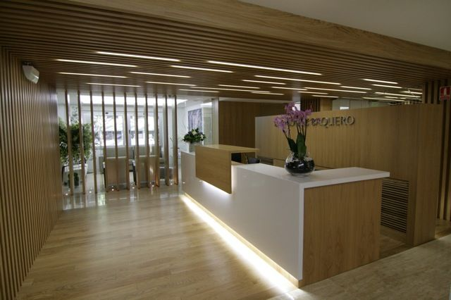 39 best desks images on pinterest product design - Clinicas dentales diseno ...
