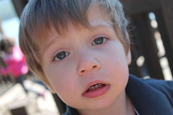 Histeria u dziecka. Jak radzić sobie z histerią u dziecka. Czy ignorować jego zachowanie, czy ulegać zezłoszczonemu maluchowi? Dowiedz się więcej ...
