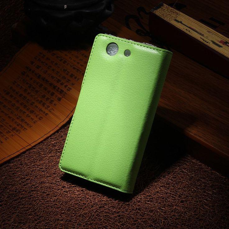 Sony Xperia Z3 Compact Stand Case Hoesje Groen  De stand case gemaakt van goede kwaliteit PU leer voor de Sony Xperia Z3 Compact is speciaal op maat gemaakt ter bescherming van je telefoon. De telefoon wordt vastgeklikt in de case gemaakt van stevig en goed plastic en zal erin blijven totdat je hem er zelf weer uit klikt. Naast dit handig systeem om je Sony Xperia Z3 Compact niet telkens uit een case te halen zijn er ook uitsparingen gemaakt in de case. Deze uitsparingen zorgen ervoor dat…