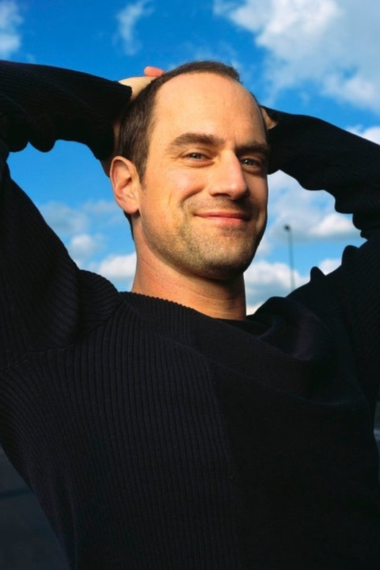 One of the many reasons why I LOVE watching SVU...Detective Stabler, aka Chris Meloni.