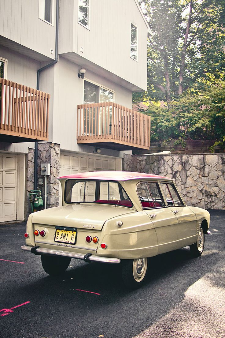Citroen Ami 6 - what fun it would be to drive this little toy around town....I love cars...cmd
