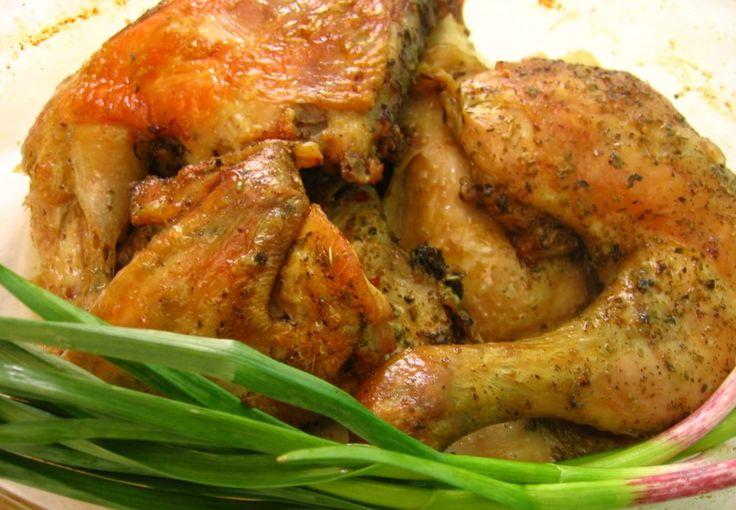 Sült csirke kicsit másként – így a hús garantáltan megpuhul és remek ízű lesz! :)