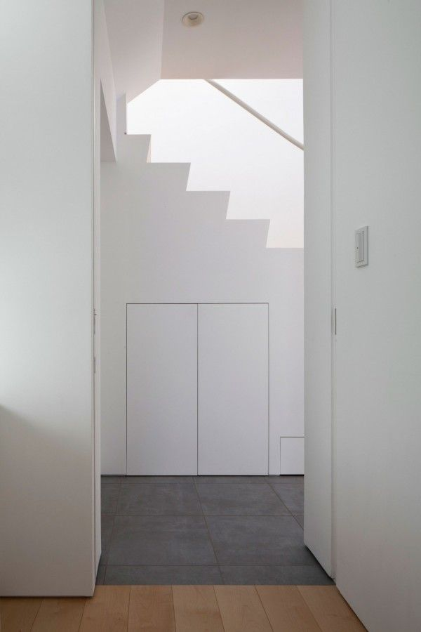 Stairs from White Modern Interior Design by RCK Design in Tokyo 600x900 White Modern Interior Design by RCK Design in Tokyo