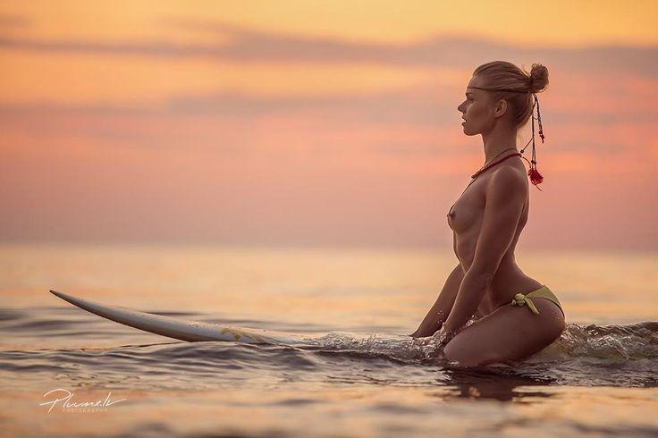 серфинг. Фотосессия на побережье Балтийского моря. #Surf girl #Surfing #Балтийское море #Девушка и серфинг #Серфинг#Surf girl #Surfing #Балтийское море #Девушка и серфинг #Серфинг Photographer: Mārtiņš Plūme