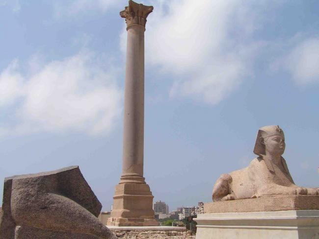 Mısır'ın Akdeniz kıyısında bulunan, ikinci büyük şehridir. #Maximiles #İskenderiye #Afrika #Africa #AfrikaŞehirleri #şehir #büyükşehir #şehirmanzaraları #gezilecekyerler #Mısır #Akdeniz #AkdenizKıyısı