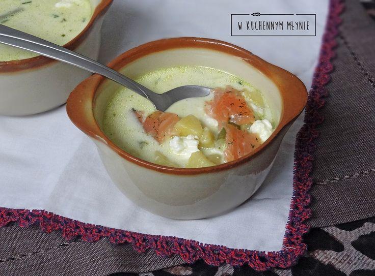 Zupa z fasolką, fetą i łososiem