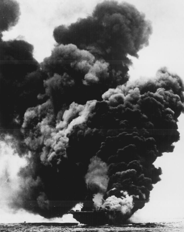 18 best ww2 photography images on pinterest world war two wwii uss bunker hill burning world war ii photography publicscrutiny Image collections