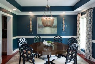 http://www.houzz.com/ideabooks/33149015/list/eclectic-matchups-10-round-dining-tables-with-chairs
