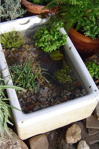 17 beste idee n over mini vijver op pinterest tuinvijver for Klein vijvertje aanleggen