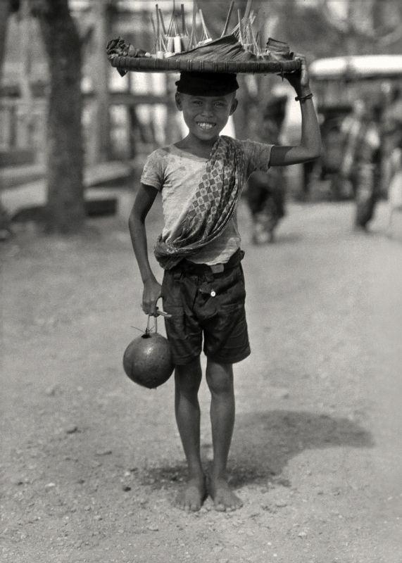 E.O. Hoppé | Seler, Bali, 1930