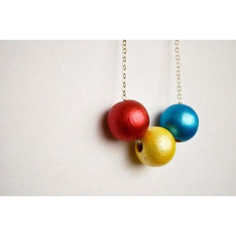 Colorful wooden beaded necklace on framestr.com