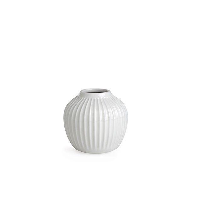 Hammershøi Vase Liten White   Den elegante lille hvite designvasen fra…