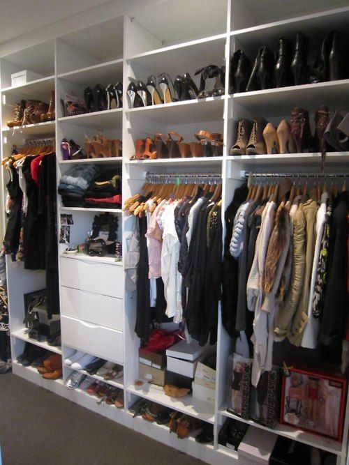 1000 images about walk in closet organized closet on for Organized walk in closet