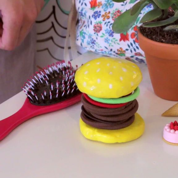 DIY Hamburger Hair Tie Organizer