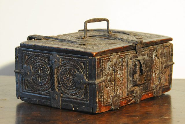 German 16th century geometric carved oak missal box