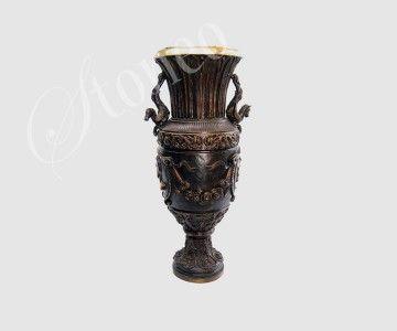Zdobiona waza z brązu