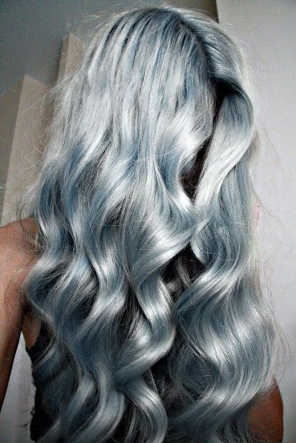 Starbright Silver at its finest! We are obsessed at this color get a similar look using Sparks at home color at a fraction of the cost!