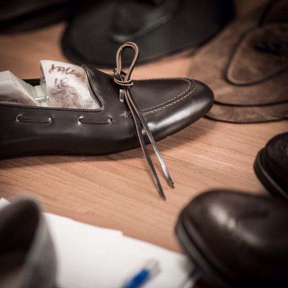 """""""But, when the work was finished, the Craftsman kept wishing that there were someone to ponder the plan of so great a work, to love its beauty, and to wonder at its vastness."""" Giovanni Pico della Mirandola  #velascamilano #madeinitaly #shoes #shoesoftheday #shoesph #shoestagram #shoe #fashionable #mensfashion #menswear #gentlemen #mensshoes #shoegame #style #fashion #dapper #men #shoesforsale #shoesaddict #sprezzatura #dappermen #craftsmanship #handmade #crafts #craftsman #craftsph #artisan"""