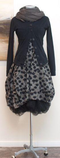 #boho blackberry print skirt tulle outfit idea - Rundholz