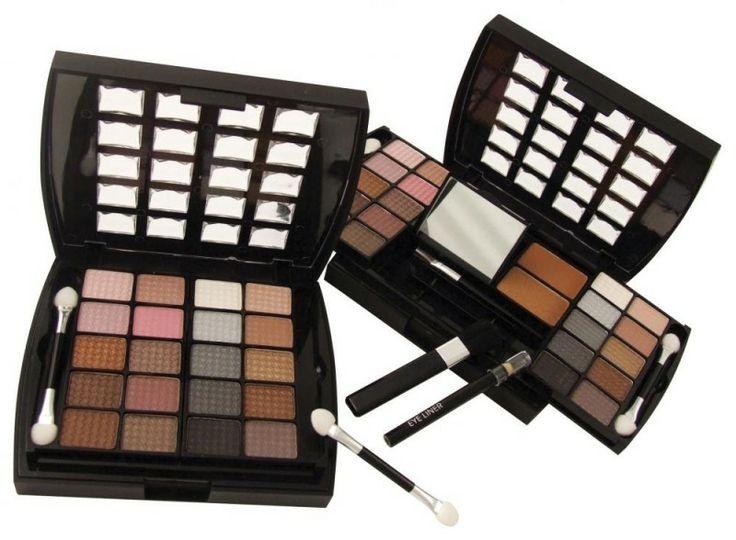 Makeup Beauty Case on rimeri.ro